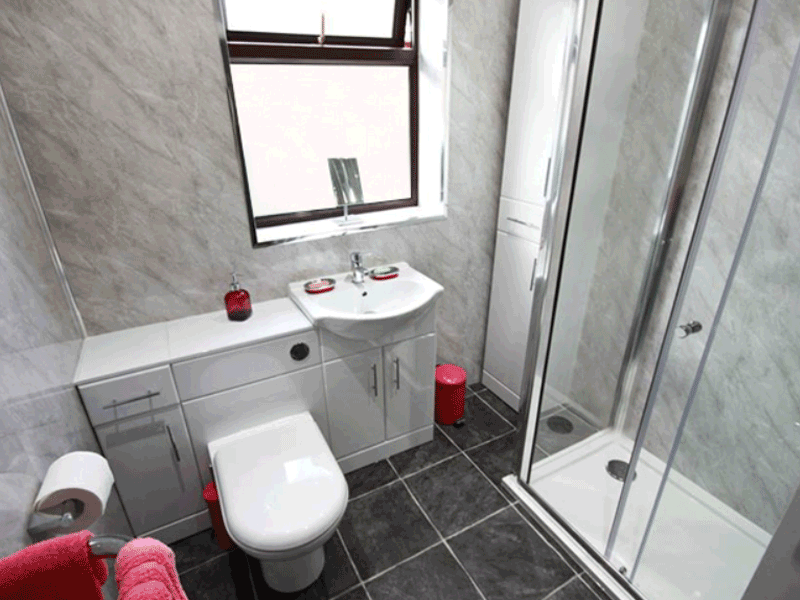 Multipanel economy panelled bathroom